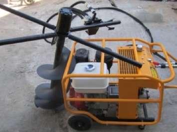 Аренда реверсивного ручного гидравлического ямобура с бензиновым приводом для двух операторов Инстар ЭГБ 9999